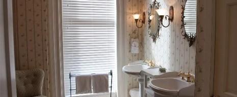 Nach einem Umzug müssen alle Möbel neu platziert werden. Im Wohnzimmer, in der Küche, im Schlafzimmer und im Kinderzimmer wird Zeit benötigt, um alles einzurichten. Dann stellt sich die Frage, […]