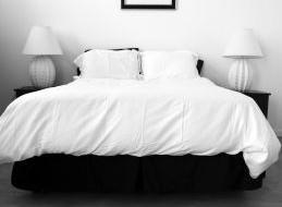 Moderne und zeitlose Hochflorteppiche, die auch als 'Shaggy-Teppiche, Langflor, 'Spaghetti-Teppiche' oder Flokati bezeichnet werden, sind besonders weich durch die langen Garnfäden. Diese Teppiche werden hauptsächlich in Wohn- und Schlafzimmern verwendet, […]